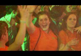 PartyfrieX – Handen hoog